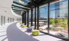 Viel Licht in den öffenlichen Räumen und Karim Rashids Design setzt Akzente