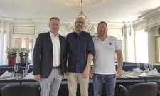 Wollen künftig ein starkes Trio sein: Die Geschäftsführer Alexander Scholz (links), Jochen Bayer (rechs) und Sternekoch Stefan Gschwendtner.