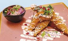 Knusprige Spezialität: Southern Fried Korean Style Chicken, frittierte Hühnchenteile auf koreanische Art