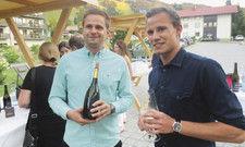 Fachsimpeln: Winzer Christian Escher (links) und Maximilian Lerch, Sohn von Hotelunternehmer Thomas Lerch