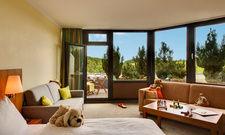 Geräumig, hell, kindergerecht: Ein Familienzimmer im H+ Hotel Willingen