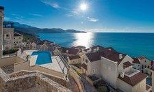 Auf der Sonnenseite: Die Destination Montenegro. Neu eröffnet hat im Juli das The Chedi Lustica Bay.