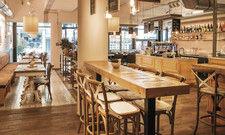 Boulangerie, Pâtisserie und Bistro: Die La-Maison-Filialen mit ihrem urbanen, kosmopolitischen Ambiente kommen vor allem bei weiblichen Gästen an