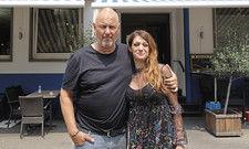 Ihr Lokal ist auf dem richtigen Weg: Inhaberin Soula Bibissidou mit Frank Rosin.