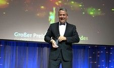 Stolz auf seinen Preis: AHGZ-Chefredakteur Rolf Westermann.