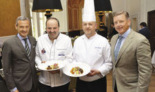 Hatten im Mai 2017 eine Kooperation geschlossen: (von links) 12.18.-Chef Jörg Lindner, Johann Lafer, Küchenchef Georg Walther und Kai Richter, ebenfalls Chef von 12.18.