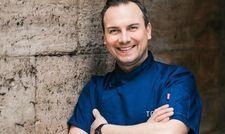 Kocht bald für ein paar Abende auf den Malediven: 2-Sterne-Koch Tim Raue