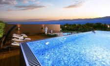 Mit Blick auf den Gardasee: Das Quellenhof Luxury Resort im italienischen Lazise mit Infinity-Pool