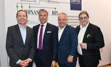 Sie berichteten aus der Welt von Honestis und Dorint: (von links) Karl-Heinz Pawlizki (CEO Dorint GmbH), Thorsten Bauschmann (COO Honasset GmbH), Joerg Böckeler (COO Dorint GmbH), Dirk Iserlohe (CEO Honestis AG)