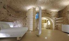 Schlafen in Höhlenzimmern: Das Hotel Aquatio Cave Luxury Hotel & Spa Matera ist ein Teil der süditalienischen Stadt Matera