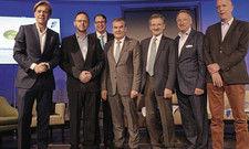 Auf dem Podium: (von links) Hajo Schumacher, NGG-Vorsitzender Guido Zeitler, Öschberghof-Chef Alexander Aisenbrey, DEHOGA-BW-Vorsitzender Fritz Engelhardt, FDP-Politiker Hermann Otto Solms, HDV-Chef Jürgen Gangl und Derag Living-COO Lorenz ter Veen.