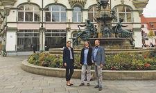Vor dem neuen Lokal: (von links) Expansionsmanagerin Katja Niemann, Eigentümer Angelo Brecht und Architekt Stefan Tekath.