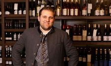 Neu im Team: Sebastian Neumeyer ist Direktionsassistent im Romantik Hotel Das Lindner in Bad Aibling