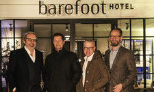 Sie sind jetzt Geschäftspartner: (von links) Prof. Stephan Gerhard, Til Schweiger, Mirko Stemmler und Alexander Winter