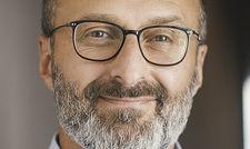 Eigene Vertriebskanäle im Fokus: Hotelier Zeèv Rosenberg achtet auf die Performance der Buchungsmaschine auf der hoteleigenen Webseite.