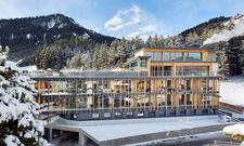 Neubau in den Bergen: Sieben Stockwerke und 16 Zimmer und Suiten hat das Gebäude