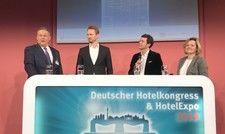 Diskutieren auf dem Deutschen Hotelkongress 2019: (v. l.) AHGZ-Chefredakteur Rolf Westermann, Alexander Schwarz (GM Airbnb Germany), Prof. Dr. Burkhard von Freyberg (Hochschule München), Daniela Schade (Accorhotels Germany)