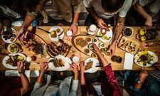 Hier geht's zünftig zu: Essen im Irmi