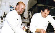 Unvergessen: Michael Laumen (links) hat einst die Gourmetgastronomie im Nordosten aufgemischt, hier bei einem Kochevent mit dem Branchenkollegen Peter Knobloch im Jahr 2004