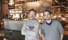 Hamburger Jungs: (von links) Thomas Sampl und Frank Chemnitz stehen hinter dem Konzept. Davor haben die Unternehmer bereits das Restaurant Vlet an der Alster zusammen geleitet.