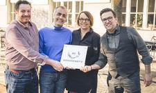 Neu im JRE-Genussnetz: Die Vorstandsmitglieder Andreas Hillejan (li.) und Bastian Jordan (re.) begrüßen Edgar Wolter und Ute Bornholdt von der Spirit of Spice Gewürz-Manufaktur