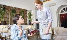 Eigentlich ein Glücksfall: Ärgert sich der Gast, ist es das Wichtigste, mit ihm ins Gespräch zu kommen.