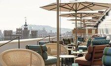 Attraktiv: Das neue Motel One in Barcelona punktet mit einer schicken Dachterrasse.