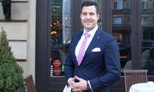"""Felix Riedl: """"Ich habe die fünf teuersten Hotels in London angeschrieben."""""""