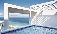 Spektakuläre Architektur: Das W South Beach in Miami bietet Gästen der Penthouse-Suiten einen eigenen Pool mit Blick auf den Atlantik. Die Marke W gehört zu Marriott.