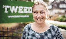 Irlandfan: Gastgeberin Annette Münster hat 20 Jahre auf der Insel gelebt. Die Zimmer im Hotel Tweed sind entsprechend mit geblümter Tapete im Country-Stil eingerichtet.