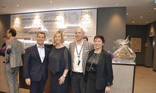 Gut gelaunt bei der Eröffnungsfeier: (von links) Die Führungskräfte Mark Anderson, Monika Bloemberg, Fabian Heller und Inge Van Ooteghem.