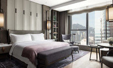 Luxuriös: Die Deluxe-Zimmer im neuen St. Regis Hong Kong.