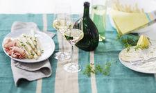 Weißwein zum Spargel: Auch hier bieten die VDP-Winzer passende Tropfen