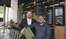 Die Macher von Kinfelts Kitchen&Wine: Kirill Kinfelt (rechts) und Maximilian Wilm.