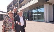 Voller Elan: (von links) Edith Berger (82), Dirk Sander und Alois Berger (86).