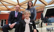 Für die Branche unterwegs: Maria Mittendorfer (rechts) machte Halt im Waldhotel Stuttgart und traf sich mit Direktor Jörg Grede und Personalleiterin Claudia Deisenroth
