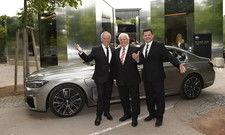 Köche vor luxuriöser Limousine: (von links) Wolfgang Puck, Eckart Witzigmann und Franck Giovannini