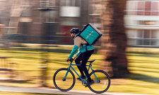 Auf der Überholspur: Deliveroo trägt laut eines Wirtschaftsberichts viel zu einem wachsenden Gastronomiesektor bei