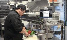 Vom Gast-Smartphone in die Küche: Digitale Kommunikation verkürzt Wartezeiten.