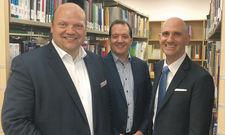Nehmen die Hotellerie unter die Lupe: (von links) Hartwig Bohne mit Florian Aubke (Wien), und Markus Schuckert (Hongkong).