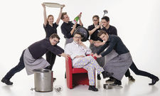 Küchenschlachten und Pop-up-Restaurants: Für die Azubis von Claus Peter vom Hotel Peters (Mitte) ist immer Action angesagt.