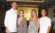 Prominente Paare unter den Gästen: Manuel Neuer mit Nina Neuer und Mario Götze mit Ann Kathrin Götze