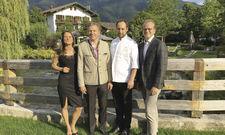 Freude beim Führungsquartett: (von links) Hotelchefin Katja Mankel, Inhaber Korbinian Kohler, Küchendirektor Franz-Josef Unterlechner und Geschäftsführer Thomas Kösters.