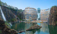 Spektakulär: Das neue Interconti Shanghai Wonderland in einem ehemaligen Steinbruch