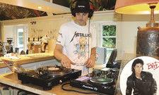 Musik im Fokus: An den Plattentellern des 94 Sound & Kitchen legen DJs auf