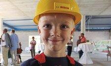 Kinder-Baustellenleiter: Timo berichtet künftig über den Baufortschritt.