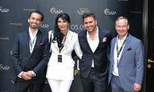 Stellten Plaza Premium in Hamburg vor: (von links) Ihsan und Yonca Yalaz, Makler Iman Azizi und Projektentwickler Jürgen Paul