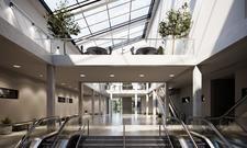 Lichtdurchflutet: Das neue Foyer des ECC im Estrel Berlin
