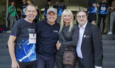 Am Ziel angekommen: (von links) Dorint-CEO Karl-Heinz Pawlizki, Moderator Wolfram Kons und Heike und Dirk Iserlohe