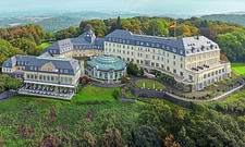 Schauplatz: Das Steigenberger Grandhotel Petersberg